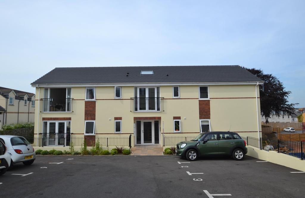 2 Bedrooms Flat for sale in Union Close, Bideford