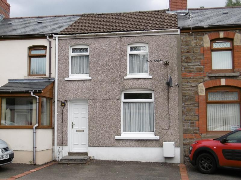 3 Bedrooms Terraced House for sale in Graig Road, Gwaun Cae Gurwen, Ammanford, Carmarthenshire.