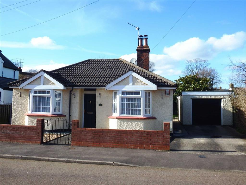 3 Bedrooms Detached Bungalow for sale in Southsea Road, Stevenage, Hertfordshire, SG1