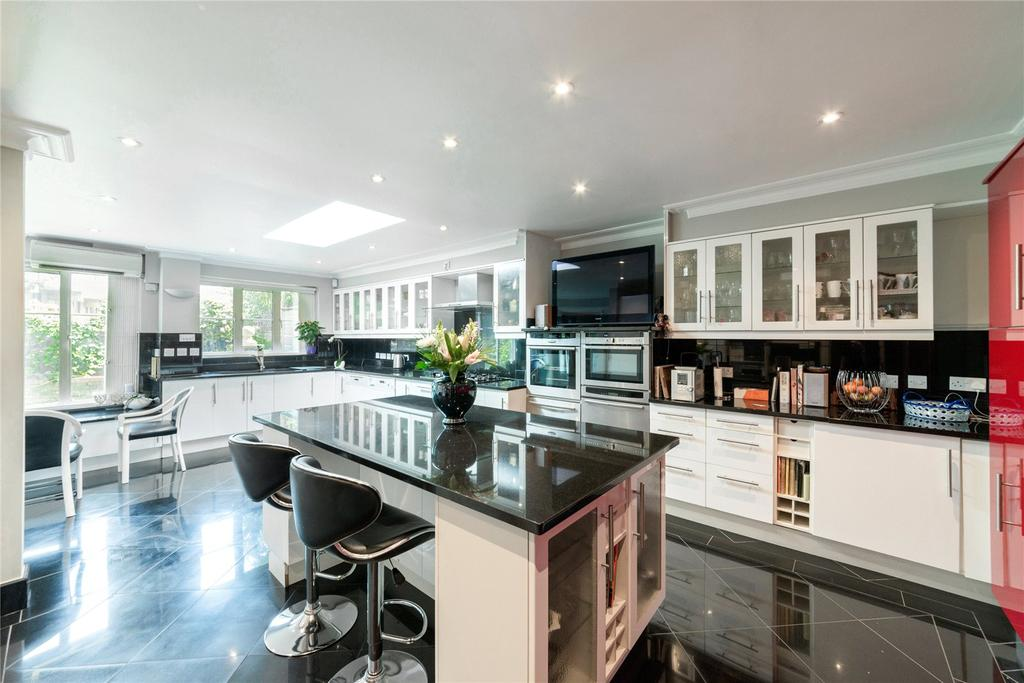 8 Bedrooms House for sale in Surrey Crescent, Chiswick, London