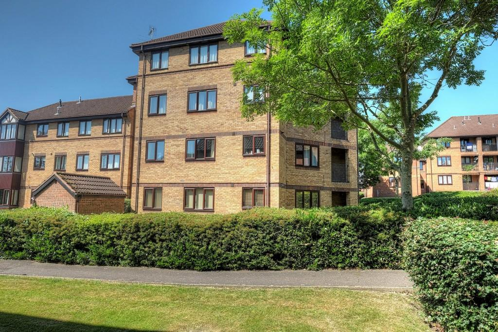 2 Bedrooms Apartment Flat for sale in Thorpe Park, Norwich