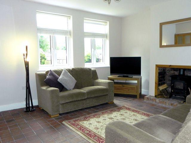 3 Bedrooms Semi Detached House for sale in Water Orton Lane,Minworth,Sutton Coldfield