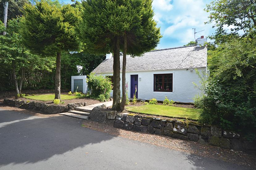 2 Bedrooms Cottage House for sale in Manse Cottage Kirk Brae, Kirkoswald, KA19 8HZ