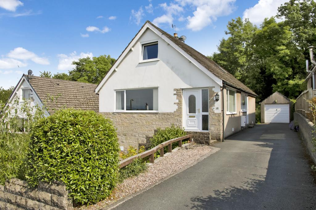 3 Bedrooms Detached Bungalow for sale in 27 Plantation Avenue, Arnside, Cumbria, LA5 0HU