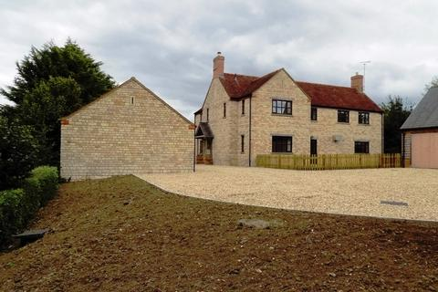 4 bedroom detached house to rent - 44 West End, Silverstone