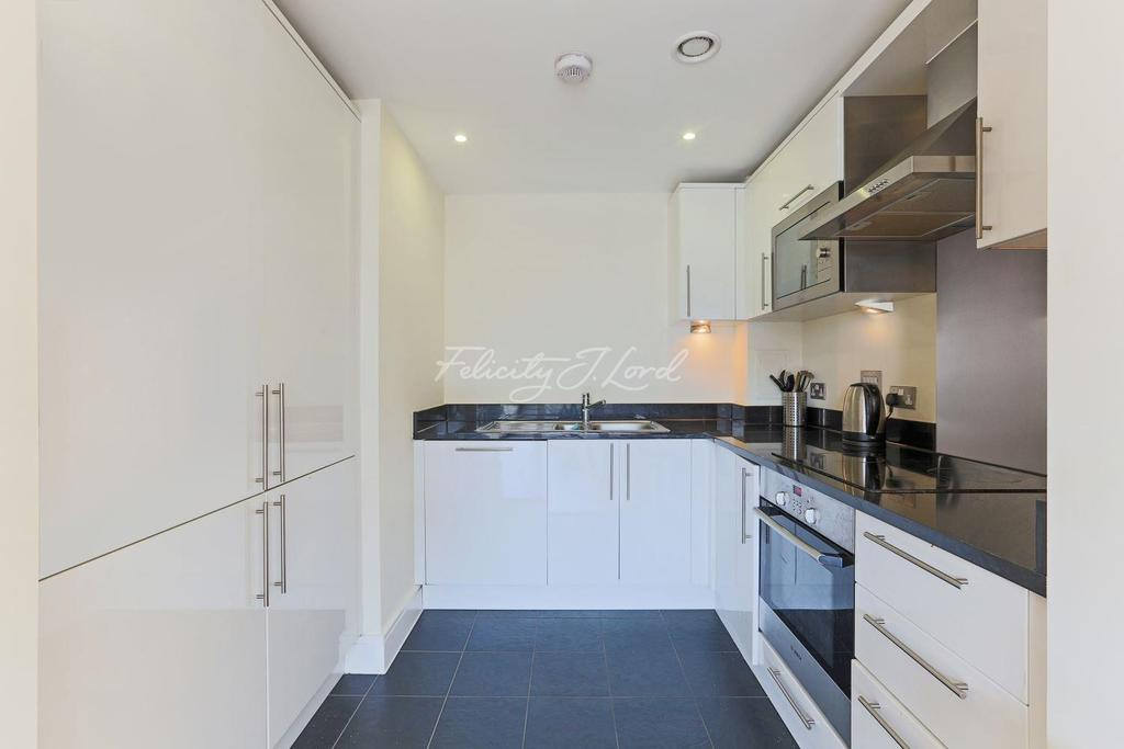 1 Bedroom Flat for sale in Torrent Lodge, Merryweather Place, SE10