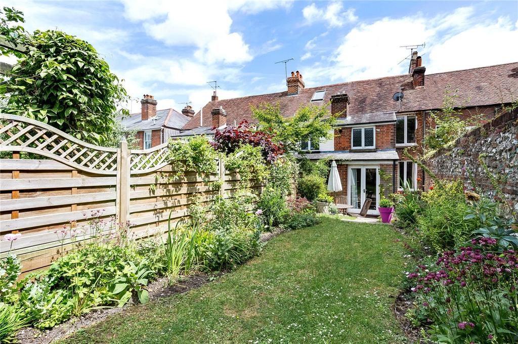 2 Bedrooms Terraced House for sale in Upper Brook Street, Winchester, Hampshire, SO23