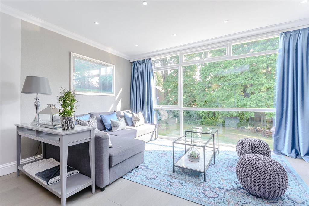 3 Bedrooms Terraced House for sale in Sunninghill Court, Ascot, Berkshire