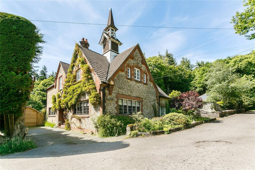 4 Bedrooms Detached House for sale in The Turret House, Beacon Hill Park, Churt Road, Hindhead