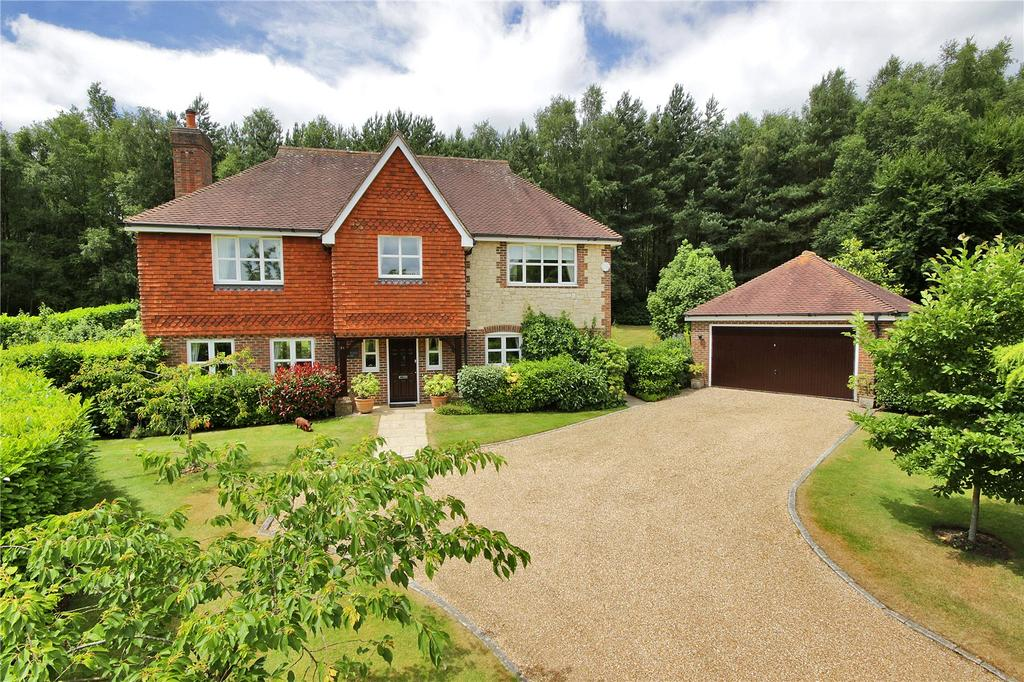 5 Bedrooms Detached House for sale in Hurst Park, Midhurst, West Sussex, GU29