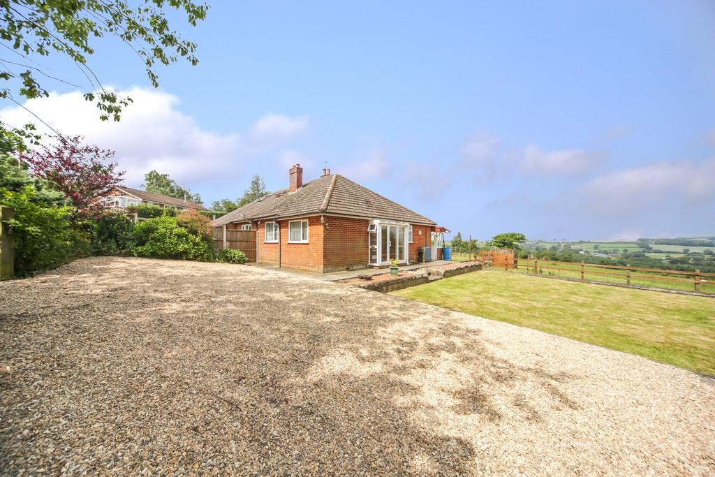 2 Bedrooms Semi Detached Bungalow for sale in Cleeton St Mary, Kidderminster, DY14 0QU