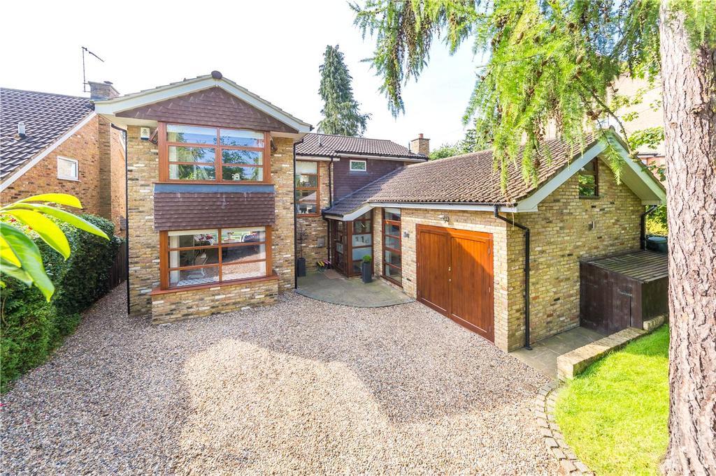 4 Bedrooms Detached House for sale in Douglas Road, Harpenden, Hertfordshire