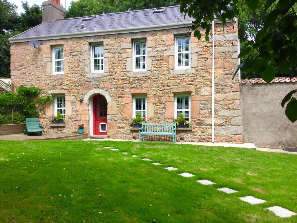 3 Bedrooms Detached House for sale in Le Pont Du Val, St. Brelade, Jersey, JE3