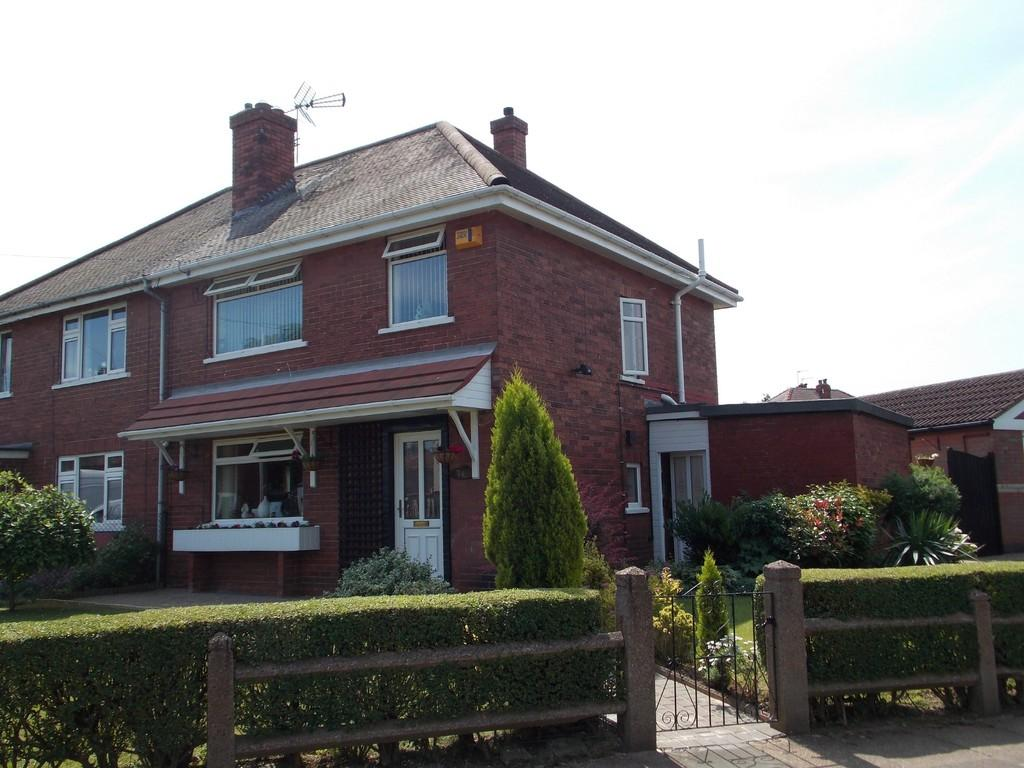 3 Bedrooms Semi Detached House for sale in Beverley Road, Wheatley