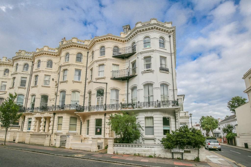2 Bedrooms Apartment Flat for sale in Denmark Terrace, Brighton