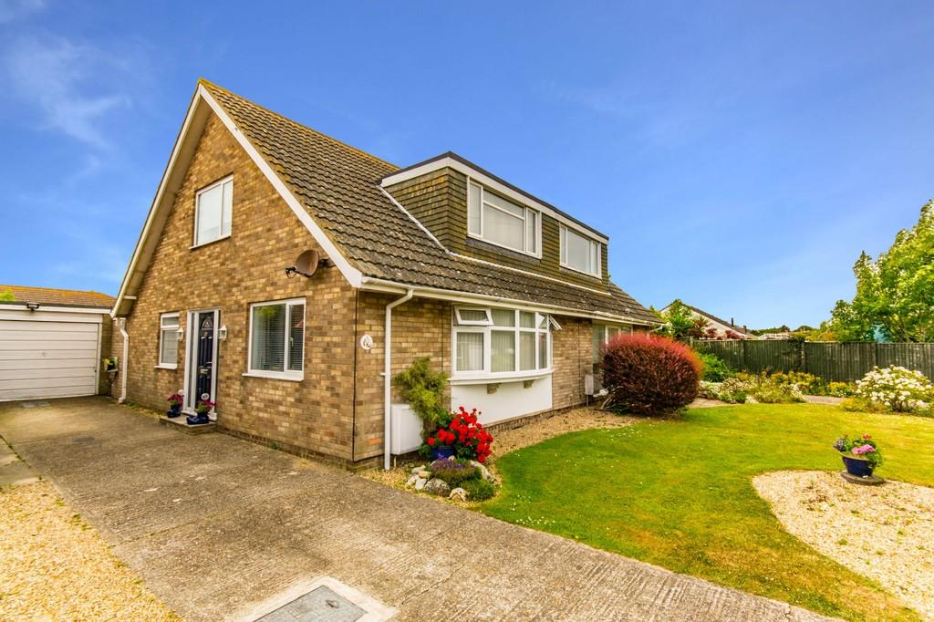 3 Bedrooms Semi Detached House for sale in Bembridge, Isle of Wight