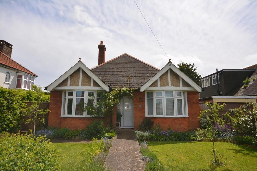 4 Bedrooms Detached Bungalow for sale in Park Road, Cowes