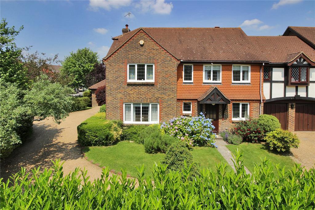 4 Bedrooms Semi Detached House for sale in Moat Farm, Tunbridge Wells, Kent, TN2