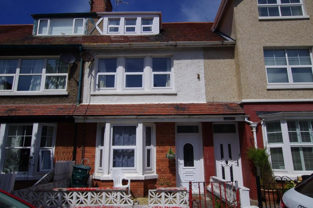 3 Bedrooms Terraced House for sale in Victoria Avenue, Craig Y Don
