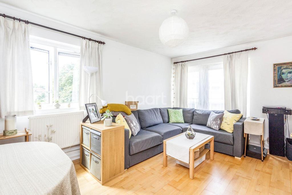 1 Bedroom Flat for sale in Swanton Gardens, SW18