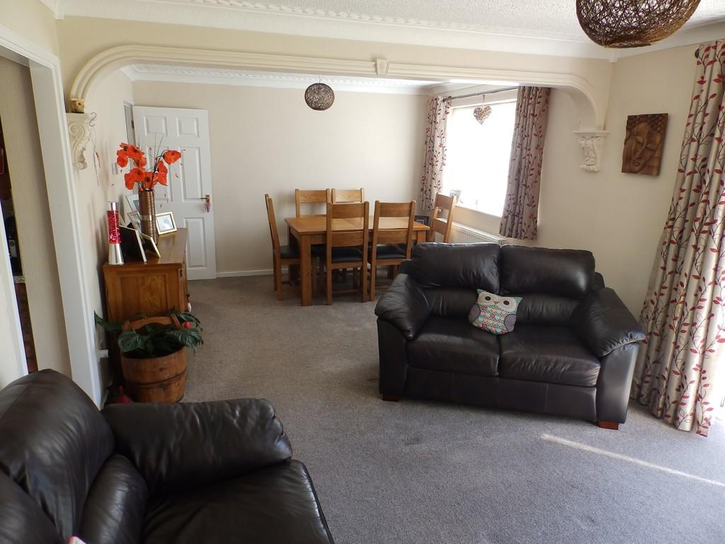 2 Bedrooms Apartment Flat for sale in Albany Gardens, Solihull