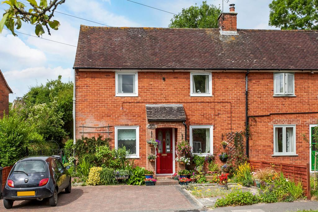 2 Bedrooms Semi Detached House for sale in Kings Avenue, Winchester, SO22