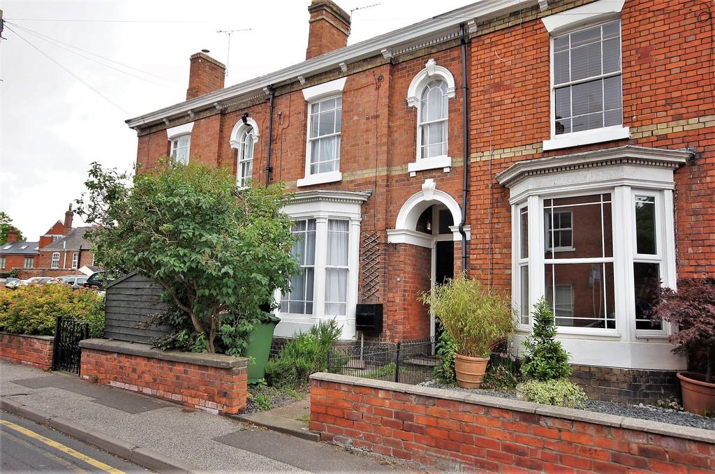 4 Bedrooms Terraced House for sale in Greetwell Gate, Lincoln