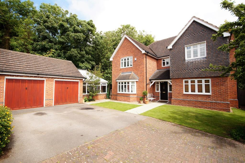 5 Bedrooms Detached House for sale in Shepherds Way, Sudbrooke
