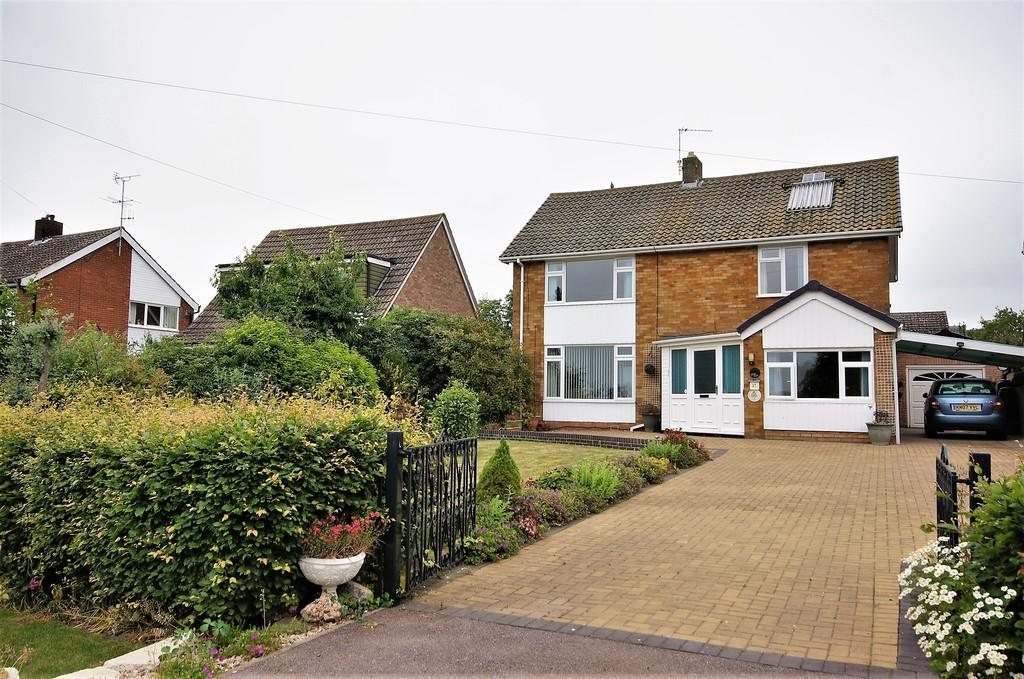 4 Bedrooms Detached House for sale in Fiskerton Road, Cherry Willingham