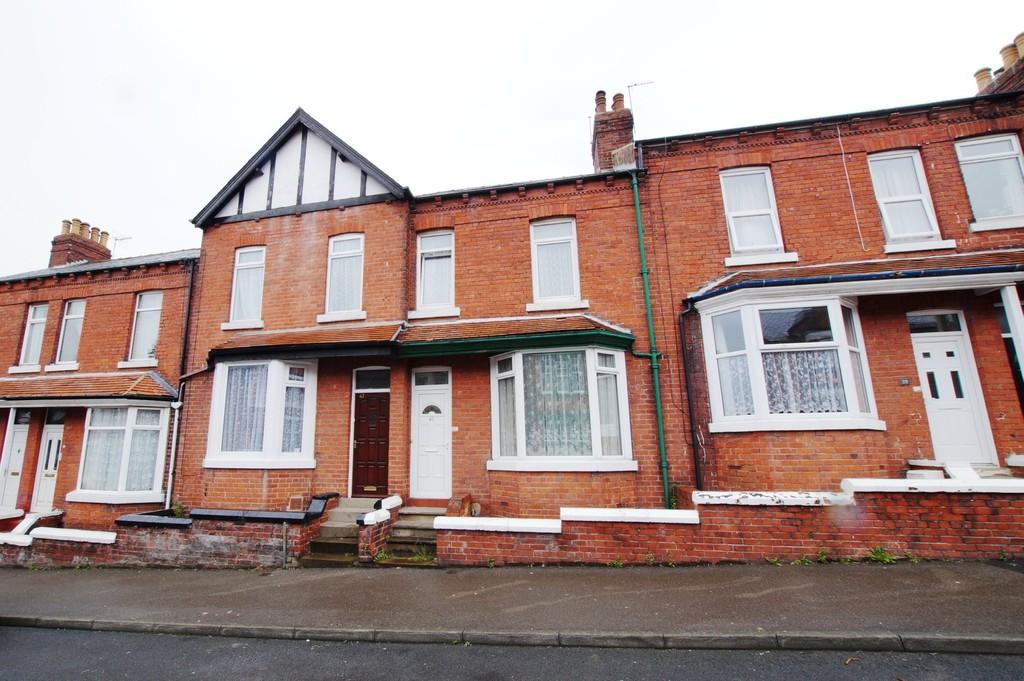 3 Bedrooms Terraced House for sale in 41 Tennyson Avenue, Scarborough