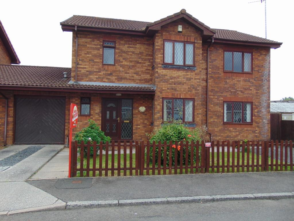 5 Bedrooms Detached House for sale in Lon Yr Ysgol, Llangennech