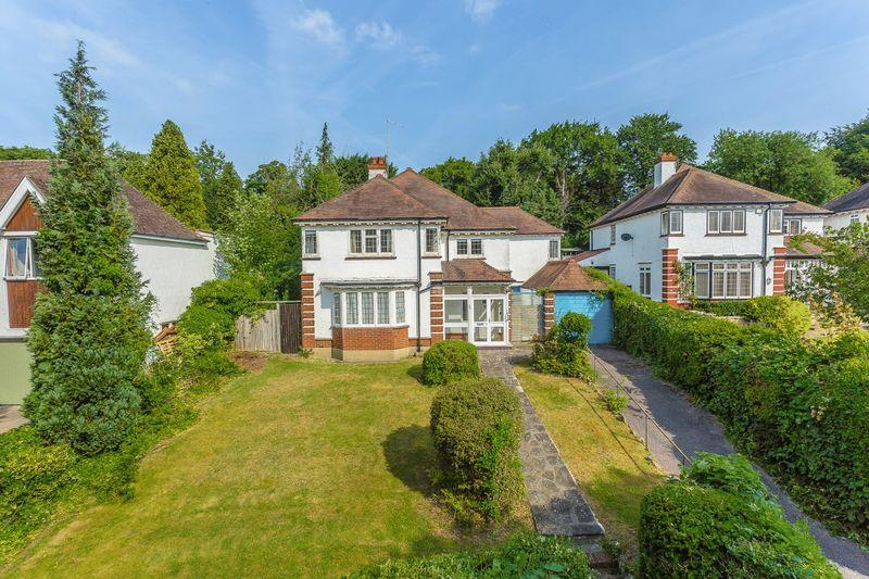 5 Bedrooms Detached House for sale in Manor Way, West Purley