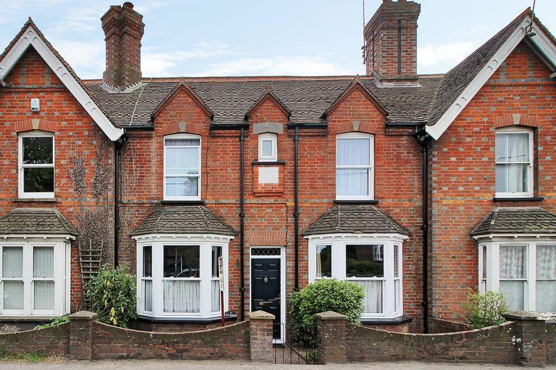 2 Bedrooms Terraced House for sale in Bolney Road, Cowfold