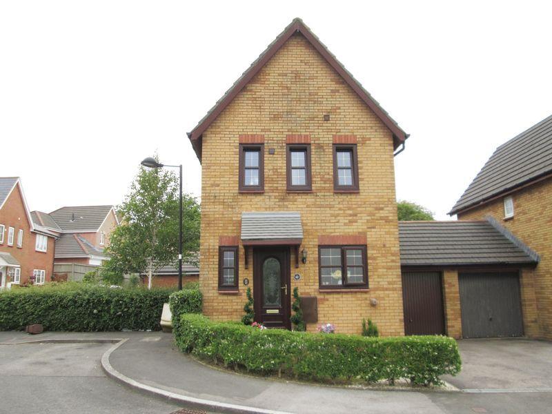 3 Bedrooms Detached House for sale in Trem Y Dyffryn Broadlands Bridgend CF31 5AP