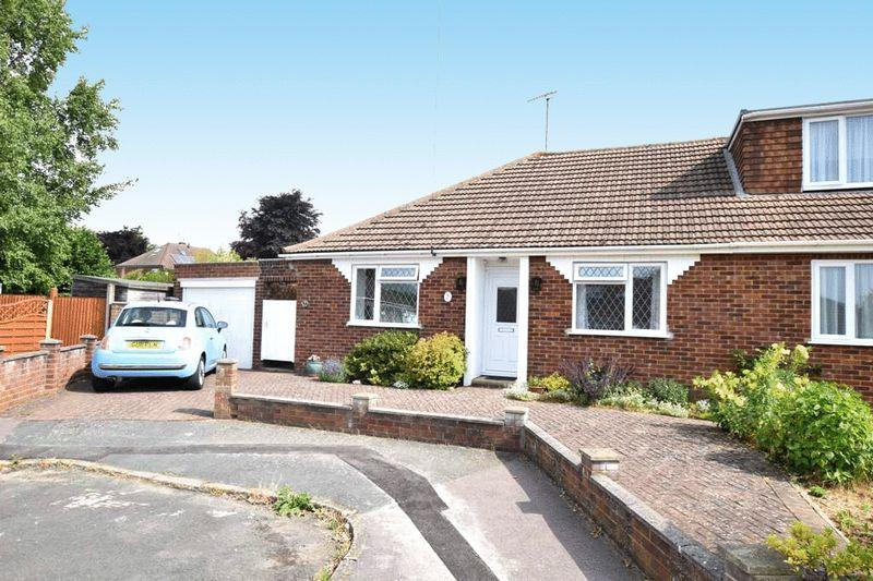 2 Bedrooms Bungalow for sale in Otteridge Road, Bearsted