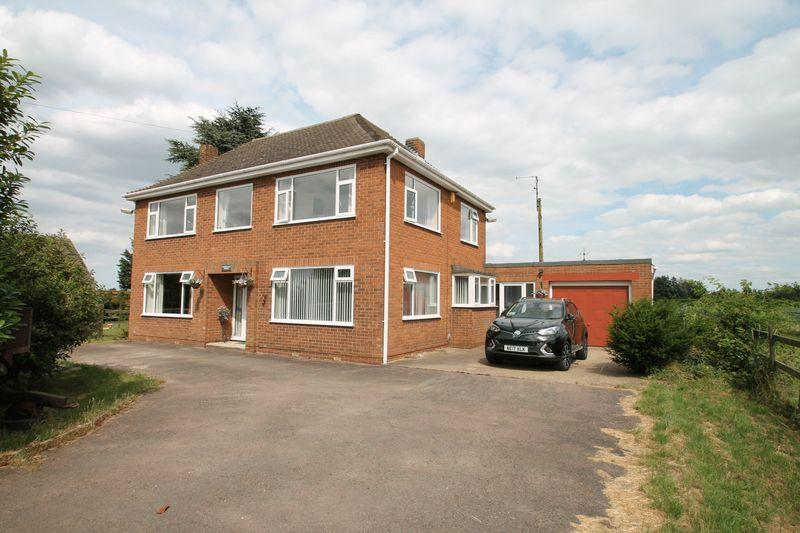 3 Bedrooms Detached House for sale in Common Road, Moulton Seas End