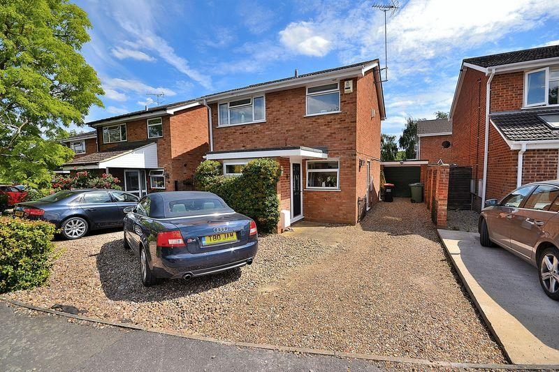 3 Bedrooms Detached House for sale in Mardle Road, Linslade