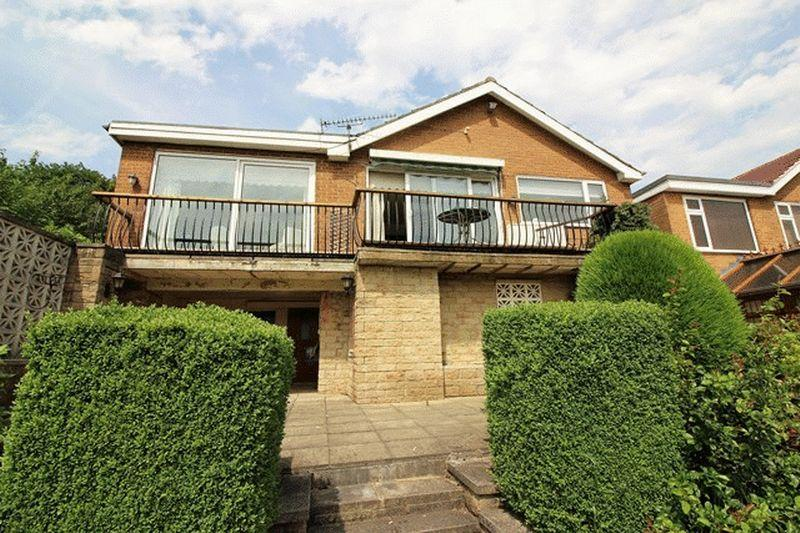 2 Bedrooms Detached Bungalow for sale in Springwood Drive, Halifax