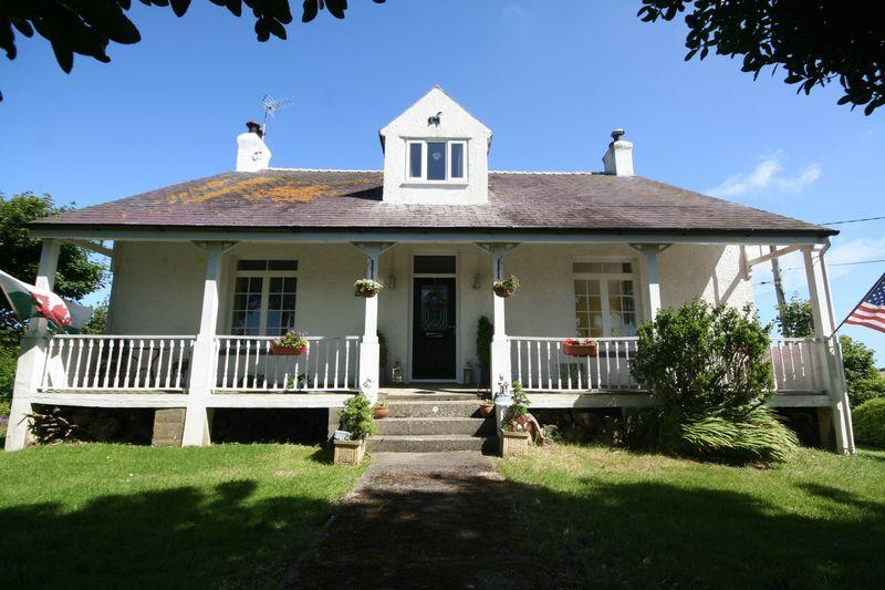 4 Bedrooms Detached House for sale in Tregele, Cemaes Bay, Anglesey
