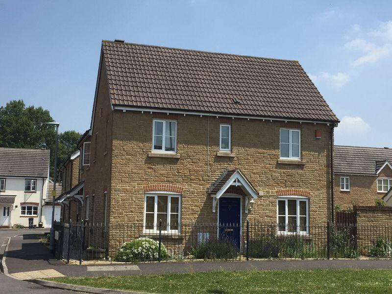 3 Bedrooms Semi Detached House for sale in CANAL WAY, ILMINSTER