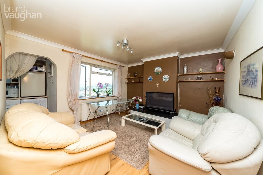 2 Bedrooms Flat for sale in Westfield Crescent, Brighton, BN1