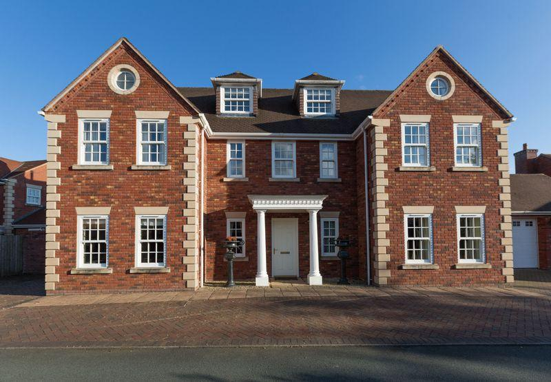 6 Bedrooms Detached House for sale in Orchard Park, Maesbrook