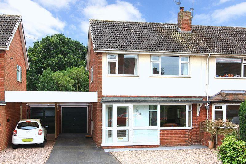 3 Bedrooms Semi Detached House for sale in PATTINGHAM, Moor Lane