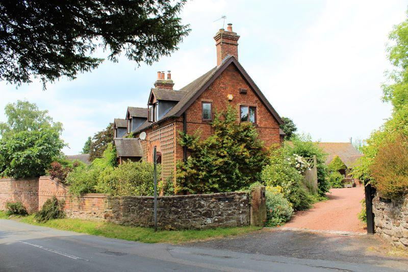 6 Bedrooms Farm House Character Property for sale in UPPER FARM HOUSE , UPPER FARM HOUSE