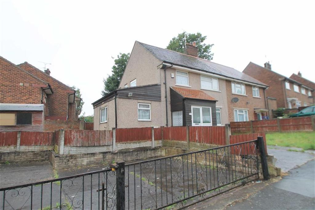 3 Bedrooms Semi Detached House for sale in Cranford Road, Wrexham