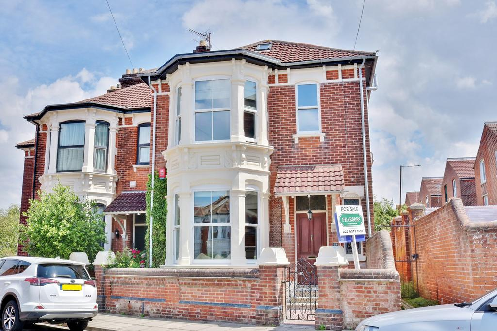 5 Bedrooms Semi Detached House for sale in Welch Road, Southsea