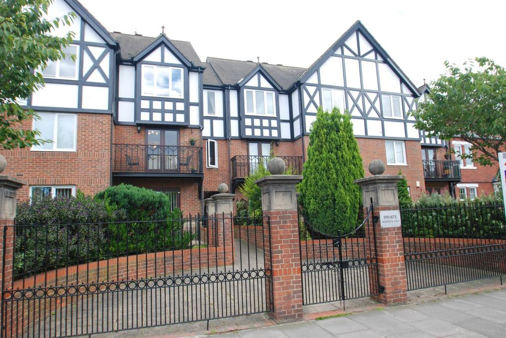 2 Bedrooms Flat for sale in Selwood Court, South Shields