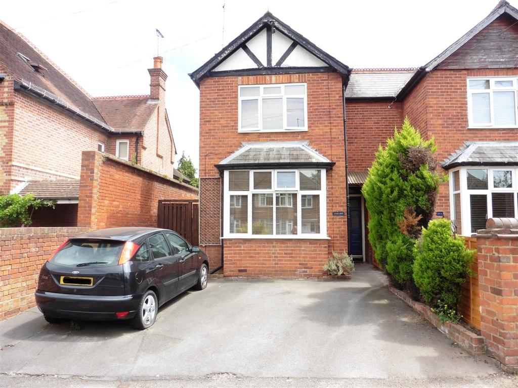 3 Bedrooms Semi Detached House for sale in Connaught Road, Reading