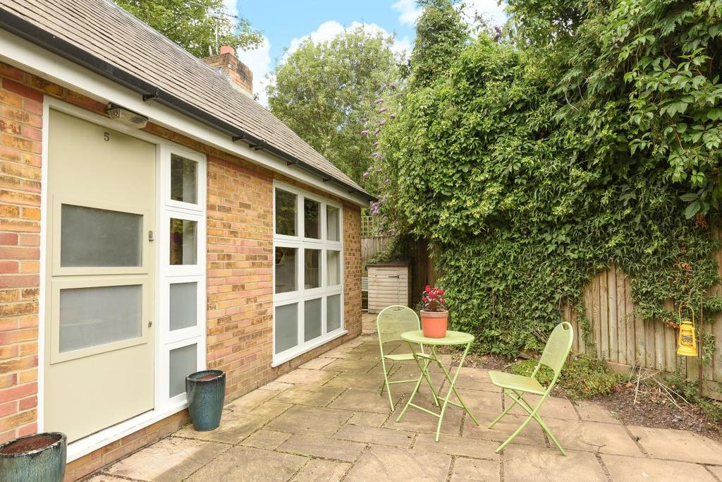 2 Bedrooms Terraced House for sale in Fawe Park Mews, Putney, SW15
