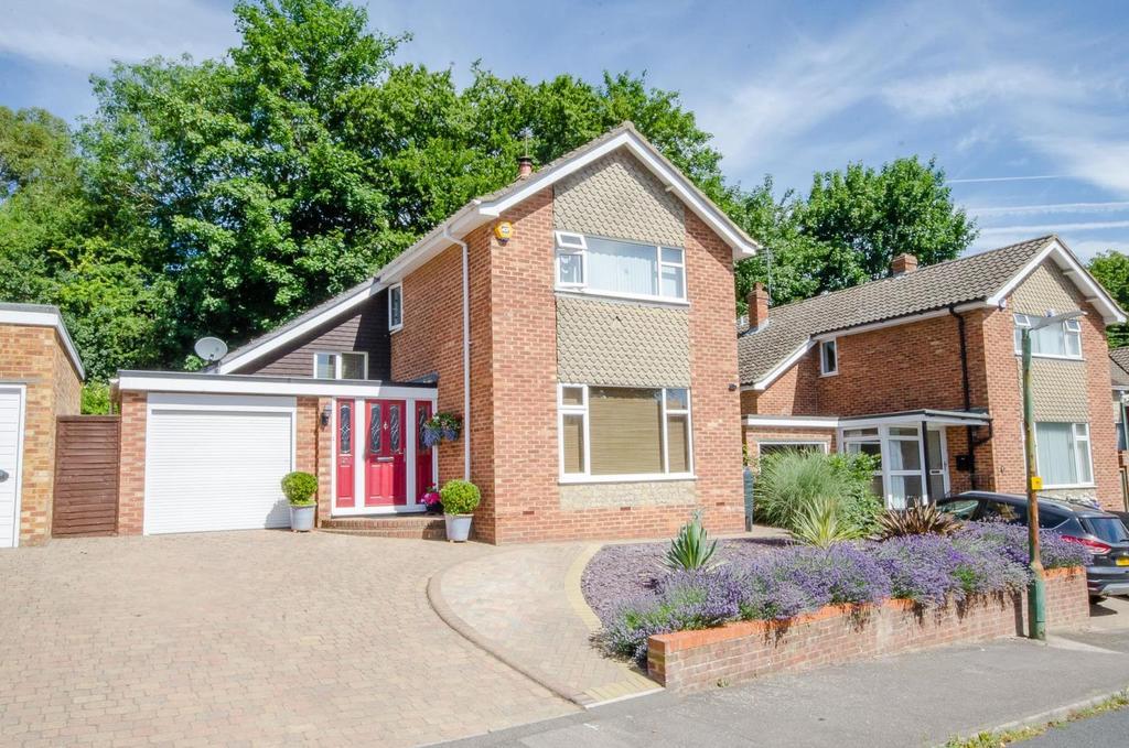 4 Bedrooms Detached House for sale in Hazlitt Drive, Maidstone, Kent
